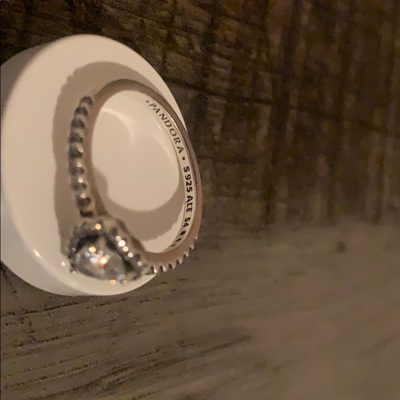 Pandora sparkling elevated heart ring